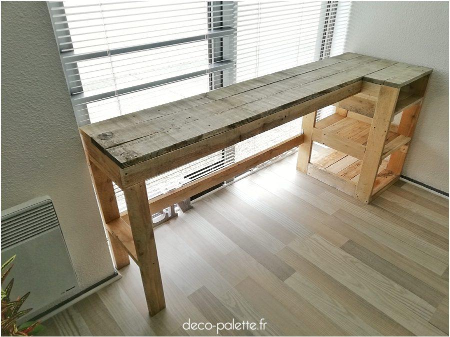 Un bureau sur-mesure en bois de palettes recyclées